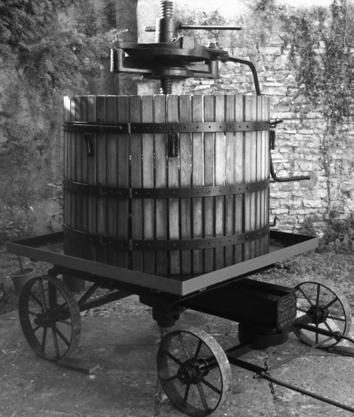 Vertical Wine Press